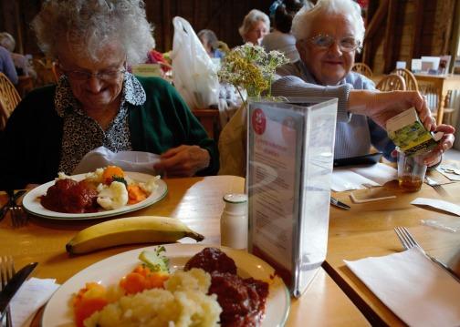elderly-1012602_1920